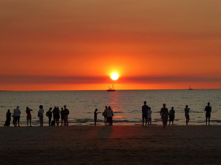 It's easy to see why sunset at Midil Beach is such a famous natural attraction!