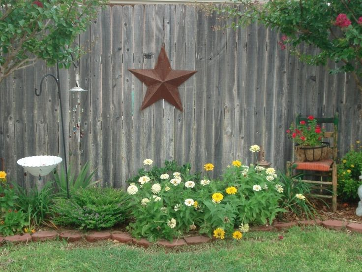 so pretty and I love stars! This would be great along the fence in the back yard!
