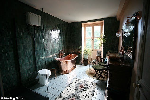 The Potagerie Suite Chateaux Interiors Dark Green Bathrooms Green Bathroom