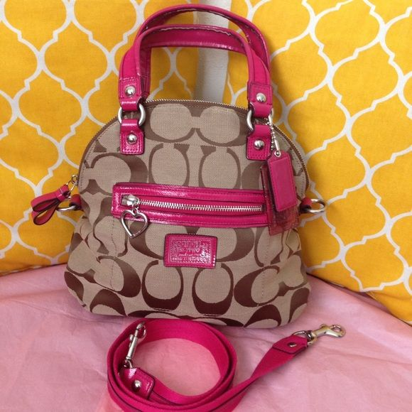 I just discovered this while shopping on Poshmark: Coach Signature Poppy Satchel Small. Check it out! Price: $138 Size: Small, listed by unirose