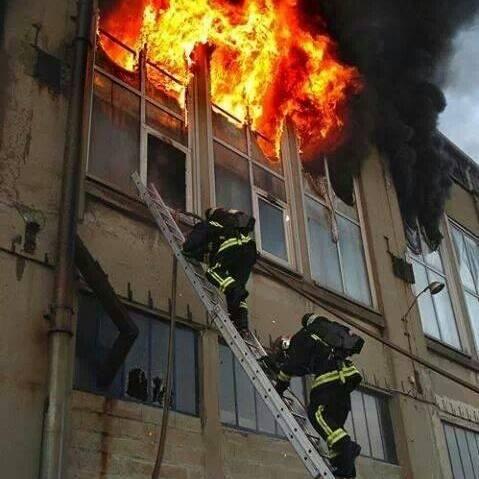 Sapeur Pompier  Sauver ou Périr