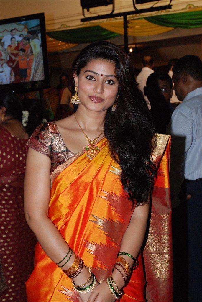 Sneha-latest-stills-in-saree-pics-2.jpg (685×1024)
