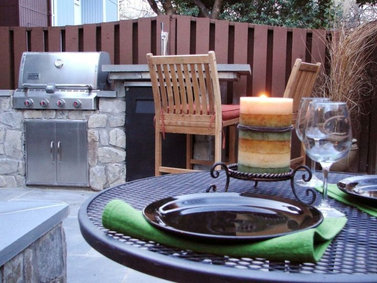 cocina en el jardín moderno hecha por piedras grandes