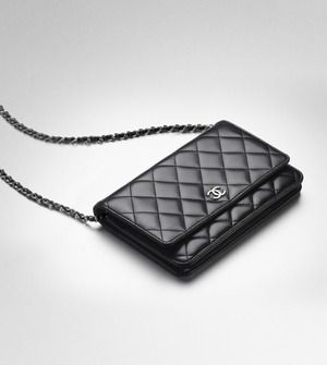 Chanel Wallet Purse on chain. on my #wishlist!! please oh please for christmas??! i am so in love with this... <3