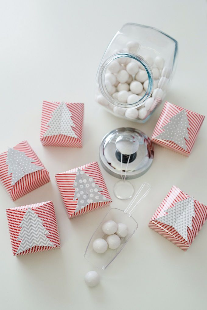 Red White Christmas Tree Favor Boxes - These boxes just pop into place! The kits also include cello bags for your treats and clear stickers to close the bags, perfect for taking sweet treats home!| Kim Byers