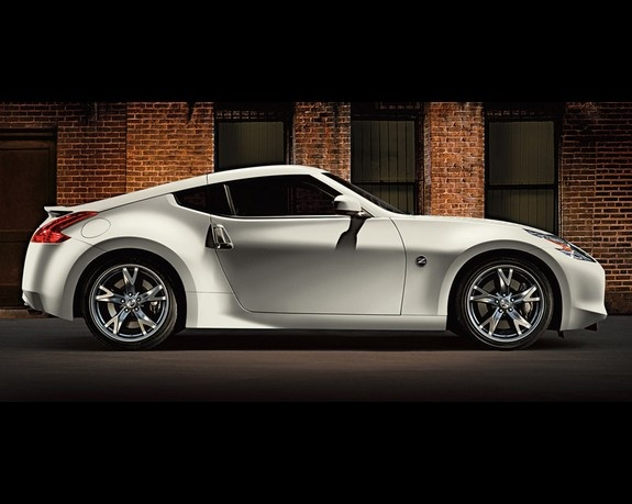 Nissan 370Z, another great looking shape.