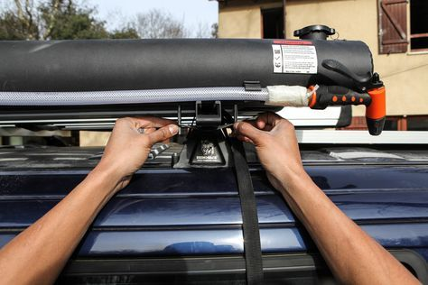 AMÉNAGEMENT : L'AUTONOMIE EN EAU ET EN ÉLECTRICITÉ DE NOTRE VW T4 SYNCRO