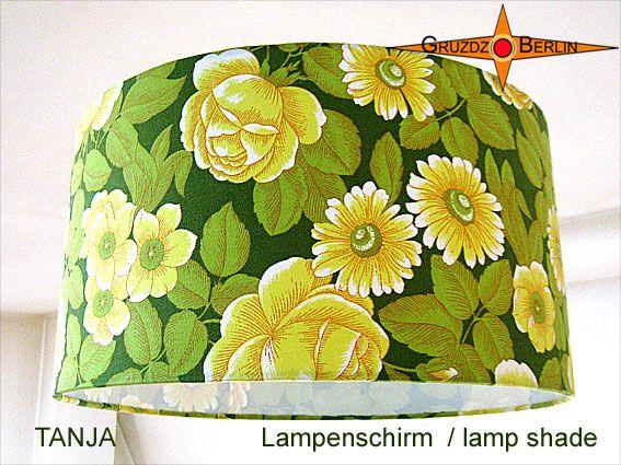 Lampenschirm TANJA Ø 40 cm gelbe Blüten auf Grün. Erfrischend wirkt dieser Lampenschirm in trendigem Format