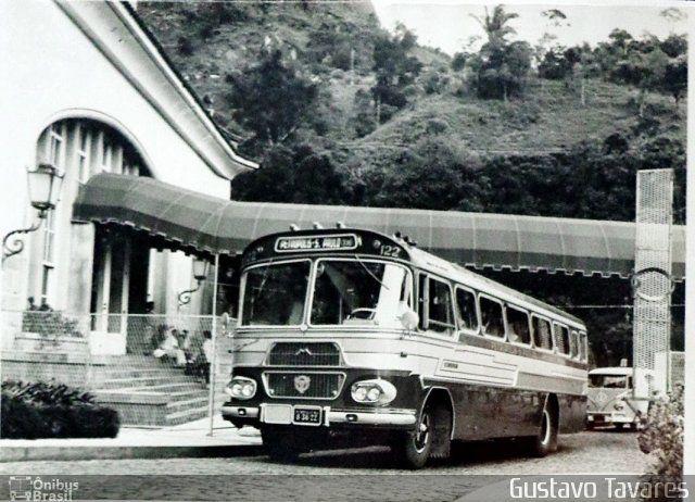 Ônibus da empresa Viação Salutaris e Turismo, carro 122, carroceria CAIO Bandeirante, chassi Scania B76. Foto na cidade de Petrópolis-RJ por Gustavo Tavares, publicada em 26/07/2014 23:23:08.