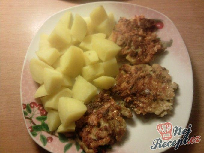 Houbové placičky s vařenými brambory | NejRecept.cz