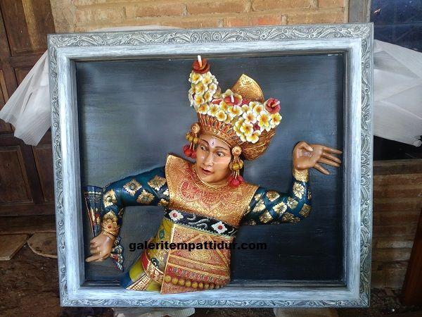 Relief Penari Bali Kayu Jati