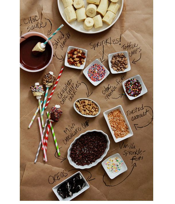 bananas dipped in chocolate + toppings // bo-laget
