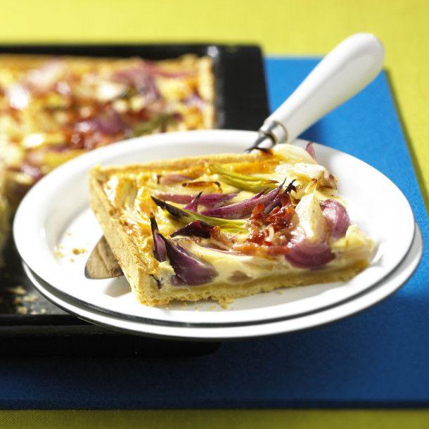 Unser beliebtes Rezept für Zwiebelkuchen vom Blech und mehr als 55.000 weitere kostenlose Rezepte auf LECKER.de.