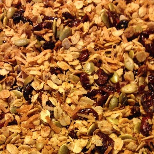 Pumpkin Spice Granola from JenniferJuniper.net #GlutenFree #NutFree #DairyFree