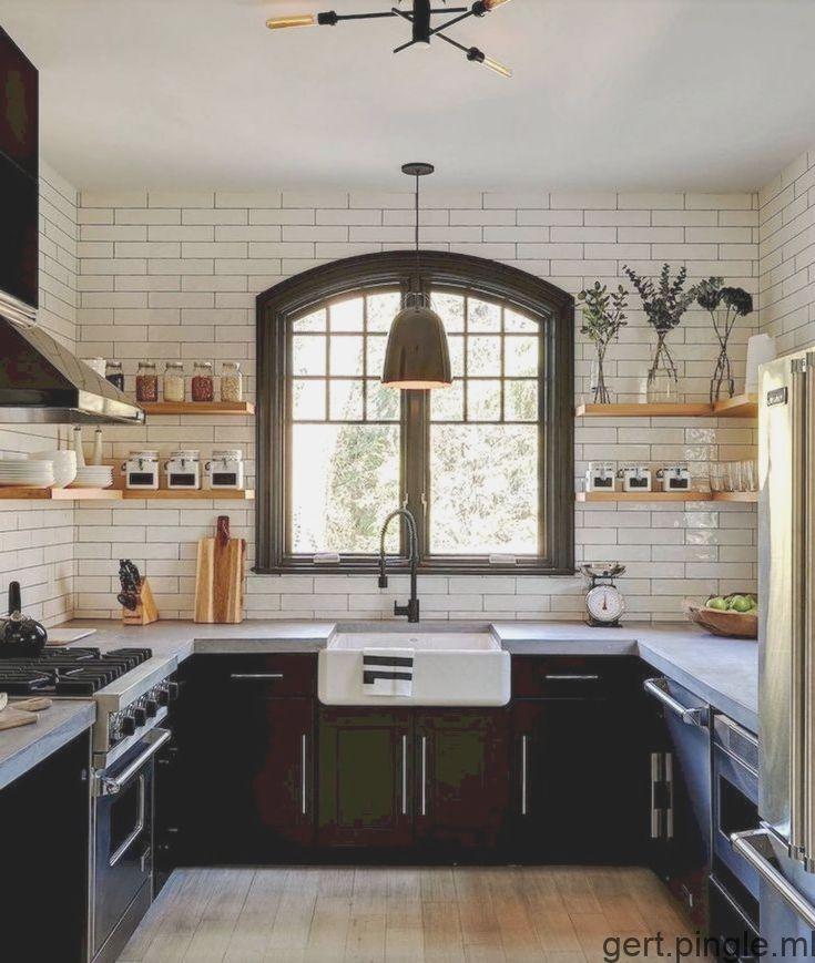 Si Vous Souhaitez Concevoir La Cuisine De Ferme Moderne De Vos Reves Regardez Interior Design Kitchen Farmhouse Kitchen Decor Kitchen Interior