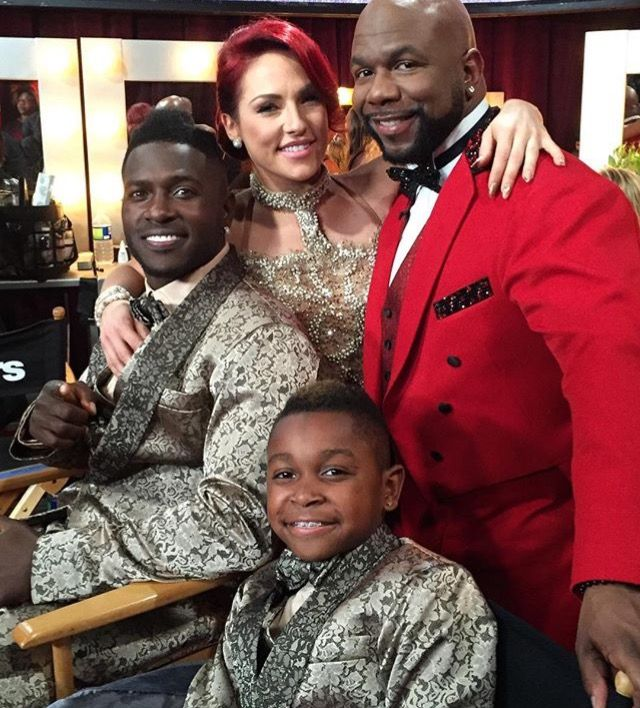 Antonio Brown, Sharna Burgess, Antonio Brown Jr, and Wanya Morris