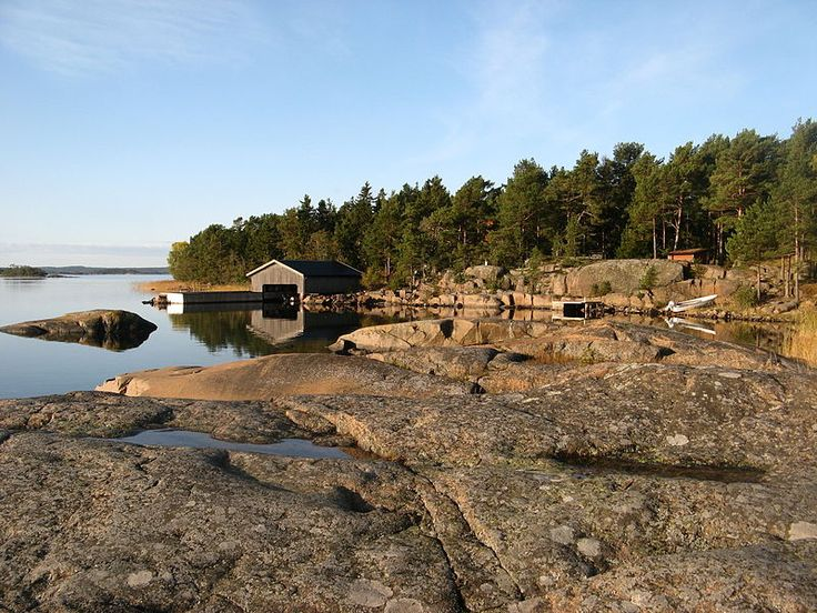 Archipelago view with rocks and boathouse, Västra Simskäla, Vårdö, Åland, Finland. Photo LPfi