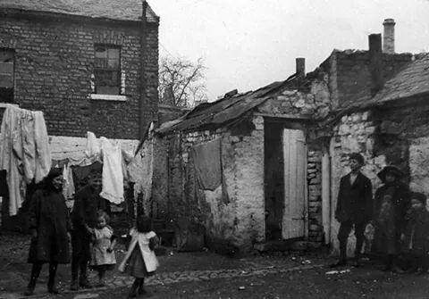 Morgans Yard, Dublin, Ireland 1913.