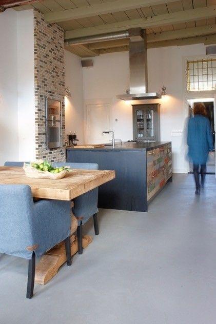 Keuken Licht Blauw : Pin van Renske Manschot op keukens Pinterest – Met, Keukens en Blog