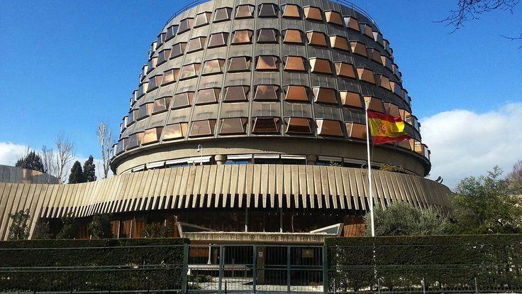 El Tribunal Constitucional suspende la ley golpista aprobada por el Parlament