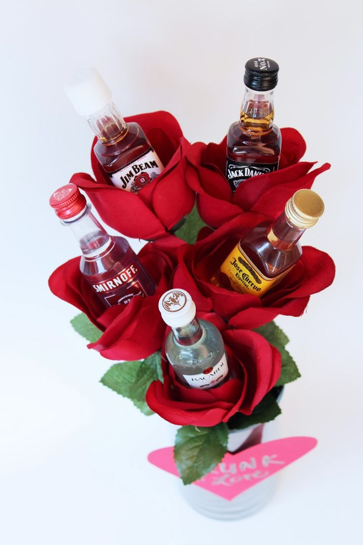 SO if Monday's post  didn't provide a good gift for your favorite guy, fear not! This is perfect for him (or any of your lady friend...