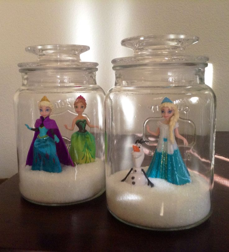 DIY Frozen Craft ~ Anna & Elsa Snowglobes