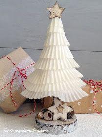 Alberelli natalizi realizzati con i pirottini dei cupcakes e materiali naturali, shabby, Christmas Trees, Tutorials.