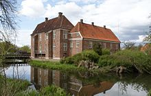 Gram Slot, Jylland - er et tidligere kongeslot, hvis historie går tilbage til 1232, hvor det nævnes i Kong Valdemar Sejrs Jordebog, hvor den hørte under kronen. Det var dengang en borg, der lå cirka 3 km. nordvest for det nuværende slot. I 1314 hørte det under hertug Erik 2. af Sønderjyllands slægt. Det vides ikke hvor hovedbygningen lå på dette tidspunkt, men der er flere voldsteder i omegnen. Ved slutningen af 1300-tallet overgår Gram Henneke Limbek, som var en søn af Claus Limbek.