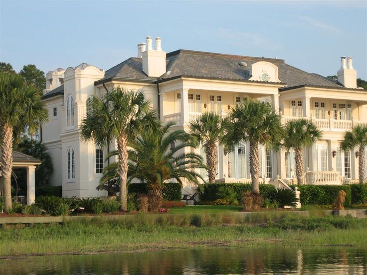 25 best ideas about big mansions on pinterest huge for Big mansion house