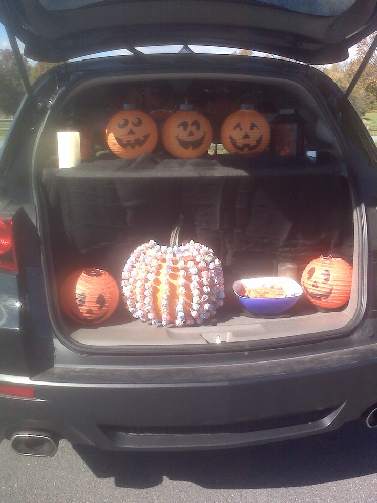 Car Trunk Decorating Ideas