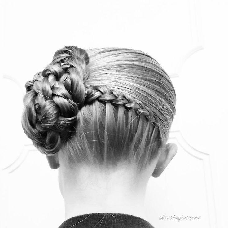 All hair up 🎀  #braid #braids #hair #hairstyle #plaits #hairdo #wedding #promhair #weddinghair #blackandwhite #photography #sweden #flette #flechten #tresse #cheveux #letti #hår #uppsatt #fläta #inspiration #inspo #волосы