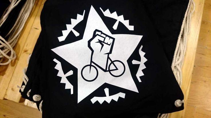 Massenger Turnbeutel ▷ Handbedruckte, stylische Turnbeutel mit Fahrrad Siebdruck Motiven. Grafik Design ✚ Handdruck ➥ Made in Berlin. Be a Massenger ✅