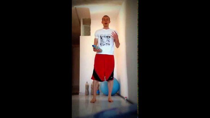 Un ejercicio medio avanzado para la cadena muscular posterior (gluteo, el tendon de la corna, pantorilla, espalda, lumbar, y hombros).