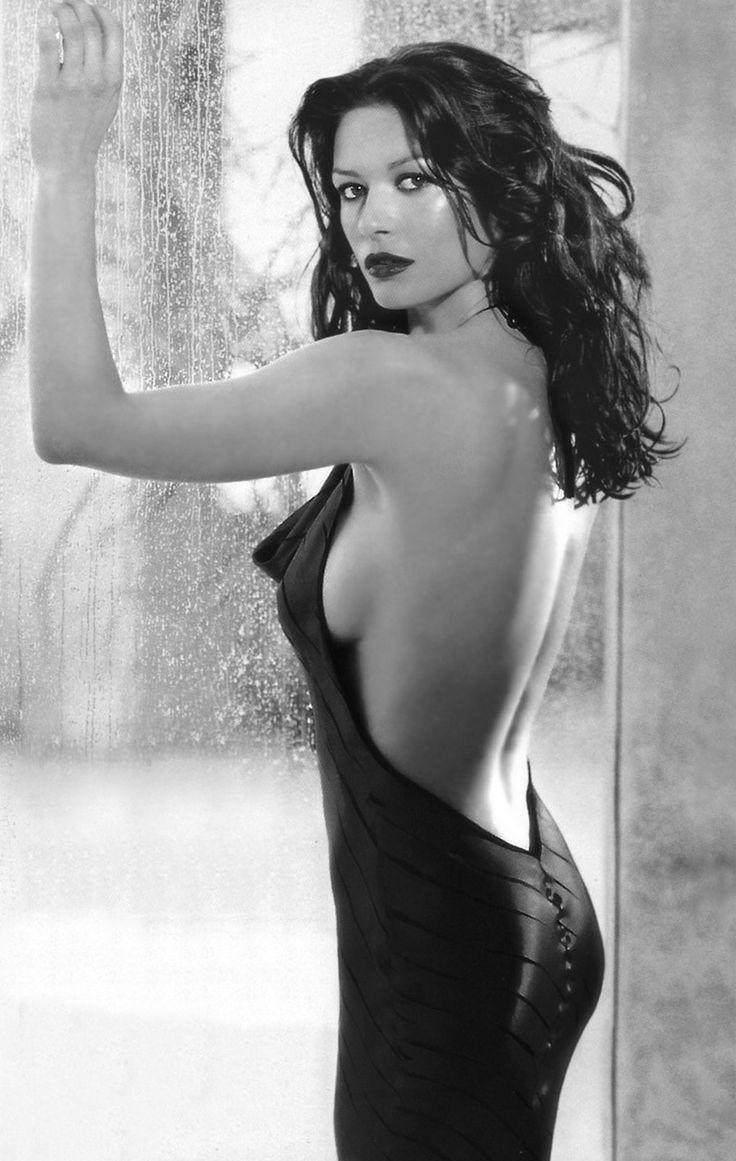 Catherine Zeta-Jones Read More : http://bronzelife.info/beautiful-faces-19…