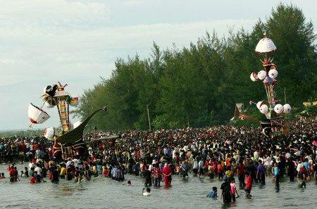 Pesona Wisata Provinsi Sumatera Barat Festival Tabuik