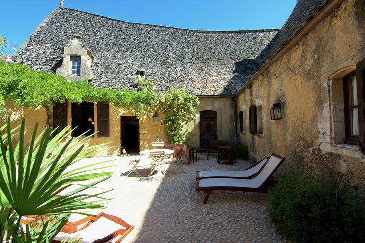 Prachtige historische priorij met jetstream zwembad en besloten binnenplaats