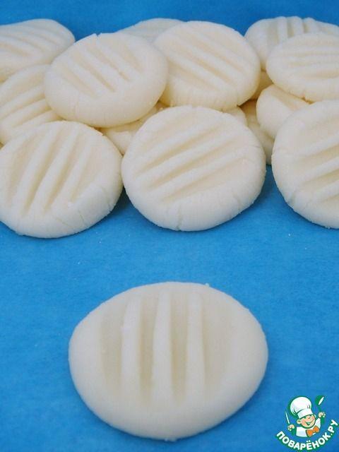 Мятные монетки из сливочного сыра - кулинарный рецепт