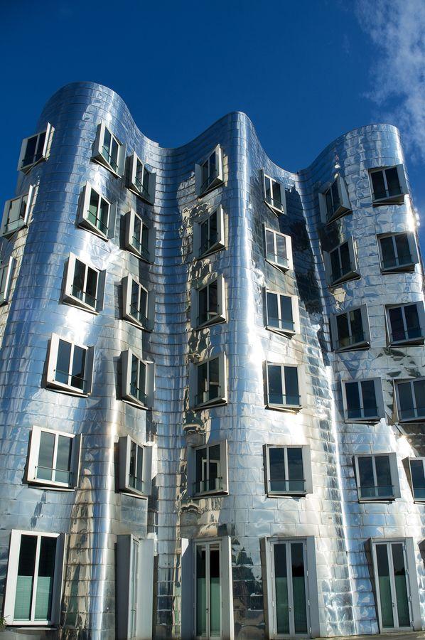 neuer zollhof building  dusseldorf  germany by frank gehry architect