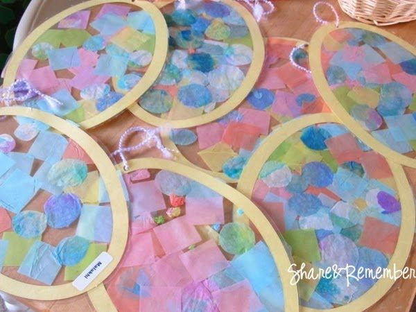 Easy Easter Crafts for Kids: tissue paper collage egg