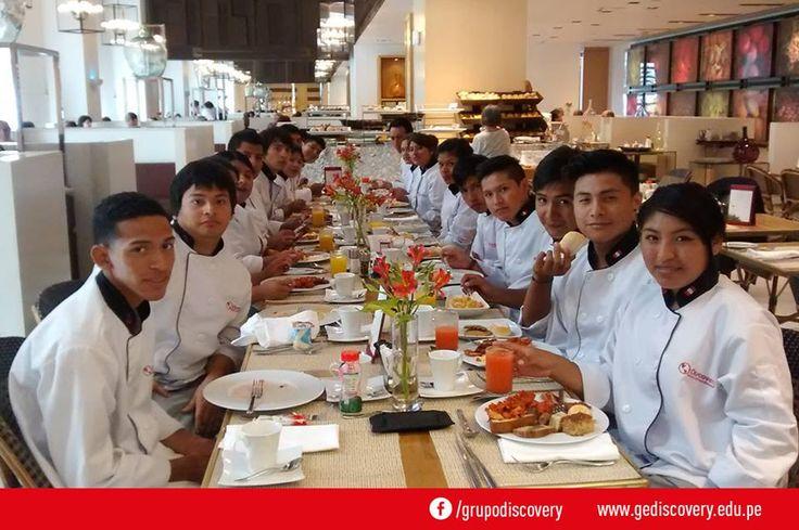 GE Discovery - Grupo de Alumnos del curso de organización de alimentos y bebidas.
