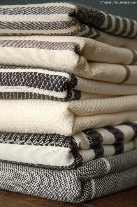 NEUTRAL HOUSE black and cream hamam towels