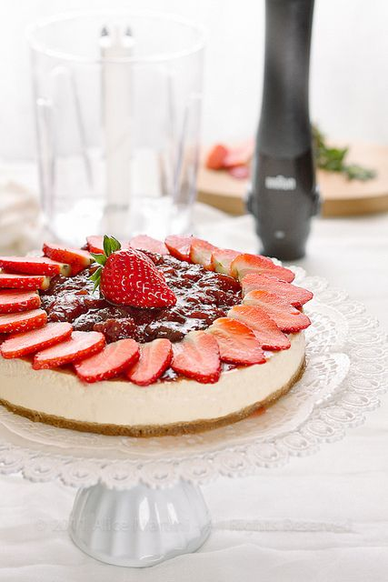 Strawberry Cheesecake for @Sorm Willnich Willnich with soy yoghurt instead of vegan cram cheese