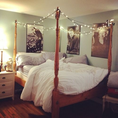 love the bed and the posters elvis presley james dean marilyn