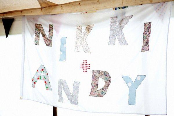 Счастье Дженни Пэкхэм, ручной работы на открытом воздухе свадьбы