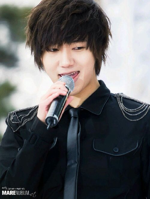 Kim Jongwoon, I need you to come home from the Army as soon as possible.. <3 ;~;