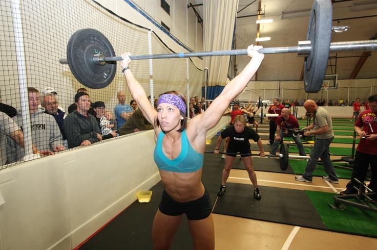 CrossFit.  Miranda Oldroyd  http://www.imuscletalk.com/