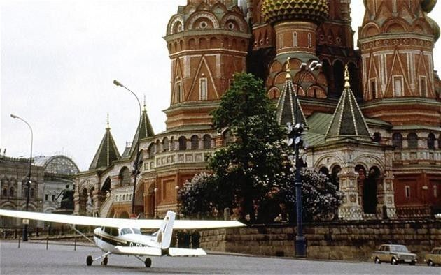 19 yr. old German pilot lands plane right next to the Kremlin, 1987 Mathias Rust was your average 19 year old teenager only he had a particular interest in Politics. As an amateur pilot he decided to fly his single engine plane over 500 miles from his home country of Germany to the gates of the Kremlin in Moscow. He flew right past the Soviet Military defense systems and even was tailed by Soviet fighters that had requested permission to shoot down the small plane but they never got the go…