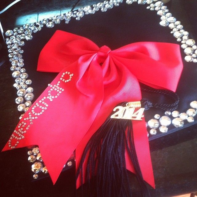 Graduation cap - sparkly border, bow with name on it!! I LOVE this idea