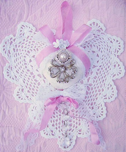 Crystals Rose Cottage Chic is pretty and pink. And so is this beautiful shabby and chic Bella Fleur Vintage Charm Heart!