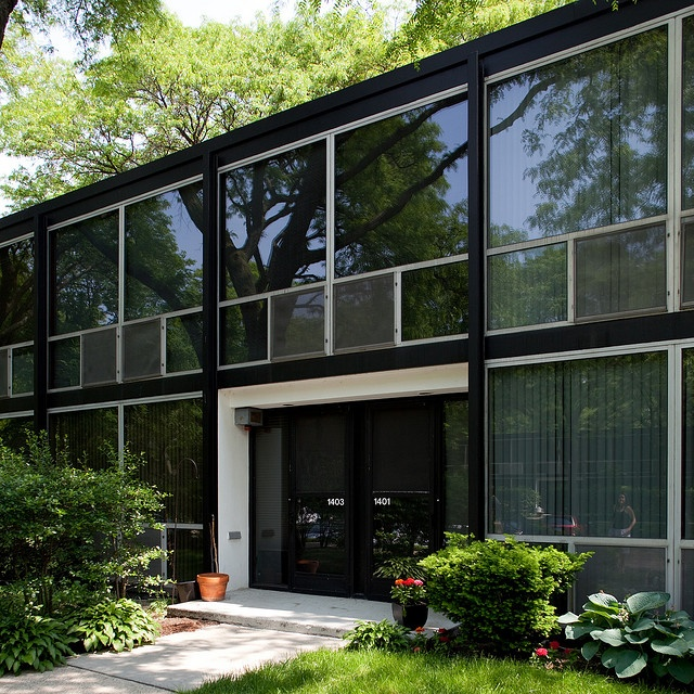 1000 images about mies van der rohe on pinterest barcelona chairs and pavilion. Black Bedroom Furniture Sets. Home Design Ideas